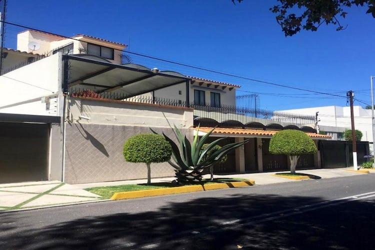 Portada Casa en Venta Pedregal de San Francisco, Coyoacán con  amplios espacios