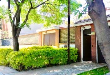 Casa en venta en Jardines del Ajusco 330 m²