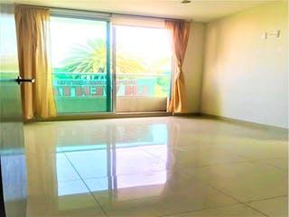 Una vista de un dormitorio con un gran ventanal en Casa en venta en Del Valle, 100m²