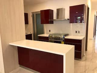 Un cuarto de baño con lavabo y un espejo en Departamento en venta en Del Valle con acceso a Jardín