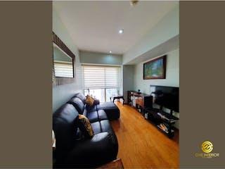 Una sala de estar llena de muebles y una televisión de pantalla plana en Departamento en venta en Xoco, 685m² con Bbq...