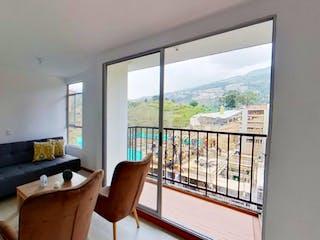 Una sala de estar llena de muebles y una ventana en Apartamento en venta en Calasanz con Jardín...