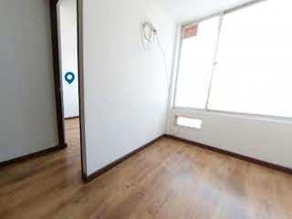 Un refrigerador congelador blanco sentado dentro de una cocina en Apartamento en venta en Villemar de 3 habitaciones