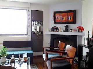 Una sala de estar llena de muebles y una pintura en Apartamento en venta en Dardanelo de 3 habitaciones