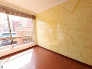 Una vista de una habitación con un gran ventanal en Casa en venta en San Cristóbal de 4 hab.