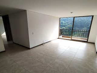 Un cuarto de baño con ducha y una ventana en Apartamento en venta en Rodeo Alto 51m² con Zonas húmedas...