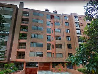 Un edificio de ladrillo rojo con un edificio de ladrillo rojo en Apartamento En Arriendo/venta En Bogota El Virrey