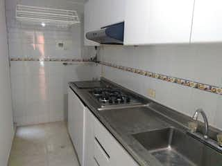 Una cocina con un fregadero y un horno de cocina en Apartamento En Venta En Bogotá Marly