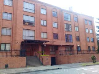 Un gran edificio de ladrillo con un edificio de ladrillo rojo en Apartamento En Venta En Bogota Pontevedra