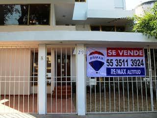 Una señal en el lado de un edificio en Casa en Venta B Residencial del Sur