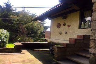 Casa en venta en Santo Tomas Ajusco, 254 m² con jardín
