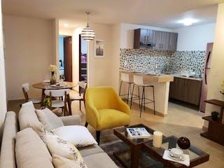 Una sala de estar llena de muebles y una mesa en Departamento en venta en Agrícola Oriental de 55m² con Jardín...