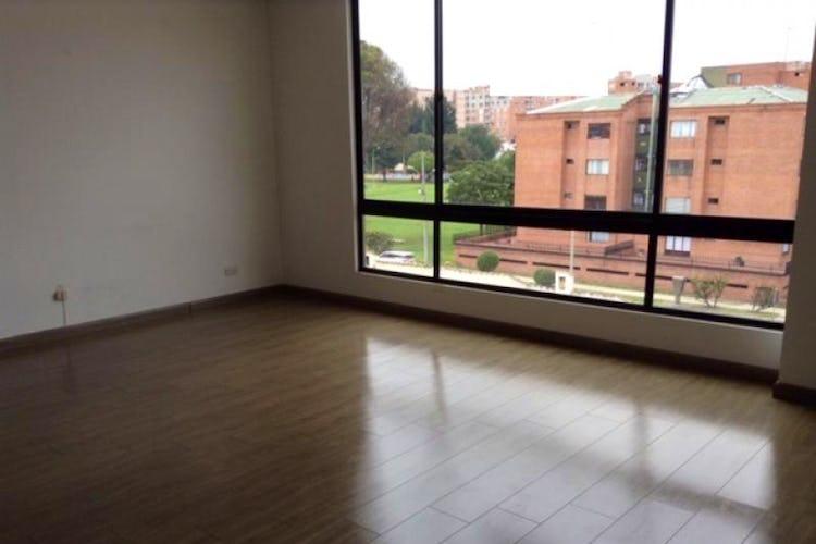 Portada Apartamento En Venta En Bogota Cedritos Con Dos garajes y depósito.