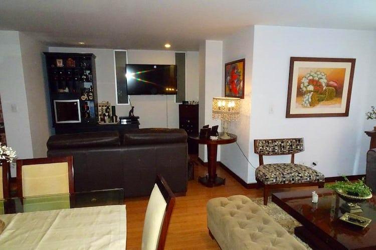 Apartamento En Venta En Bogota San Patricio - con sala comedor con chimenea