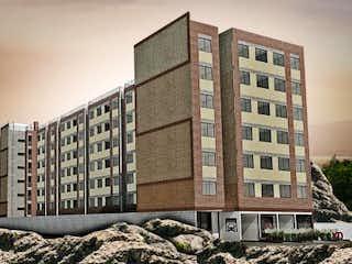 Un gran edificio con un gran edificio en el fondo en KD San Fernando