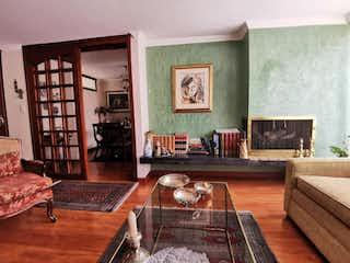 Una sala de estar llena de muebles y una mesa de café en APARTAMENTO VENTA RINCN DEL CHIC, BOGOT