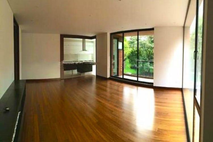 Portada Apartamento En Venta En Bogota, El Chico, con 3 parqueaderos