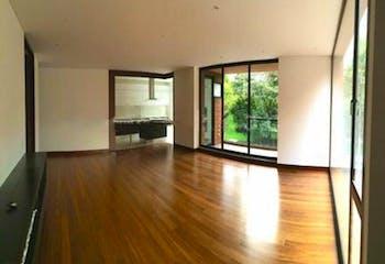 Apartamento En Venta En Bogota, El Chico, con 3 parqueaderos