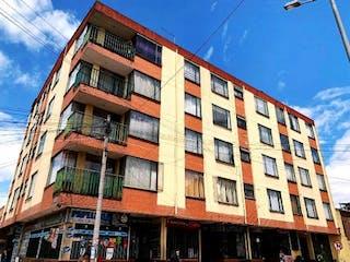 Un edificio alto sentado al lado de un edificio alto en ¡Super Oportunidad!, Apartaestudio en venta, Sector Fontibon Bogotá