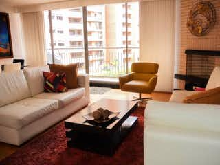 Una sala de estar llena de muebles y una gran ventana en Apartamento En Venta En Bogota Lisboa-Usaquén
