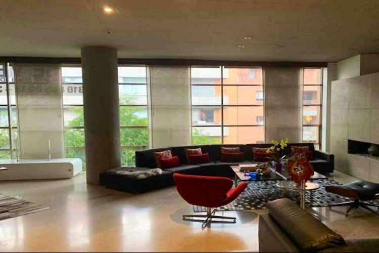 Portada Apartamento En Venta En Bogota Chico Reservado con 3 Parqueaderos.