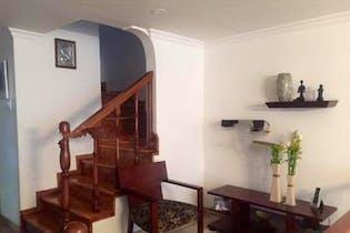 Casa En Venta En Bogota Niza Norte con 2 parqueaderos internos.