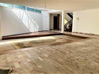 Una vista de un pasillo desde un pasillo en Casa Condominio Venta en la Del Valle