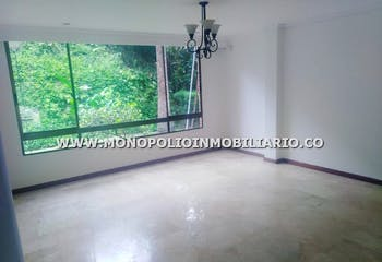 Casa Unifamiliar En Venta Sector Zuñiga-envigado, Cuenta Con 3 Alcobas Y Garaje.