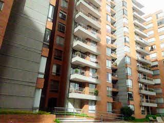 Un edificio alto con muchas ventanas en Apartamento en venta en Barrancas con Gimnasio...