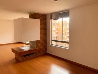 Una sala de estar con suelos de madera y suelos de madera en C005 VENDO CONJUNTO CERRADO SANTA ANA 2 HAB