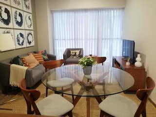 Una sala de estar llena de muebles y una gran ventana en Departamento en Venta en Anáhuac I Sección Miguel Hidalgo