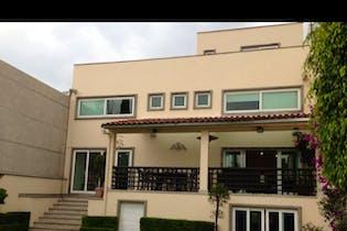 Casa en venta en Jardines del Pedregal, 650 m² con jardín y patio