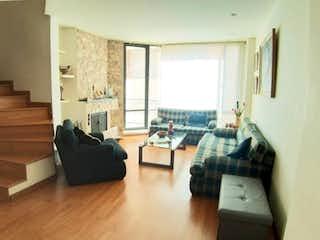 Una sala de estar llena de muebles y una ventana en Apartamento en venta en Barrio Usaquén de 113m² con Balcón...