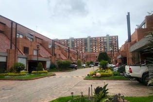 Casa En Venta En Bogota Colina Campestre con 3 habitaciones