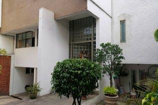 Casa en venta en Ampliación Alpes, 460 m² con jardín