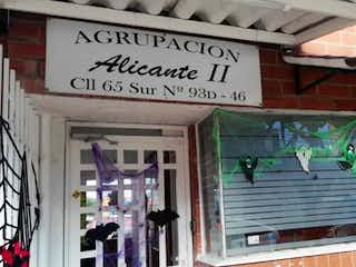 Una señal que está en el lado de un edificio en Vendo Casa en Ciudadela el Recreo Bosa, Bogotá
