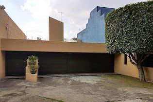 Casa en venta en San Jerónimo Lídice, 549 m² con alberca