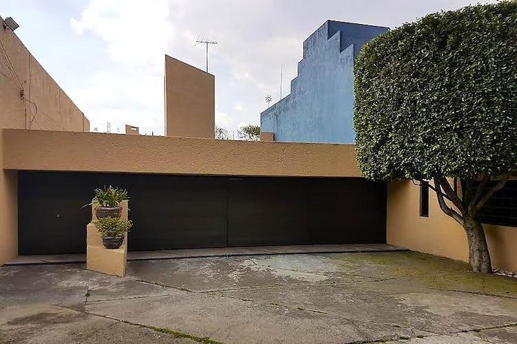 Foto 2 de Casa en venta en San Jerónimo Lídice, 549 m² con alberca