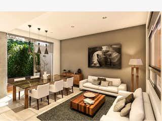 Una sala de estar llena de muebles y una mesa en Casa en venta en Colonia Cuajimalpa 220m² con Jardín...
