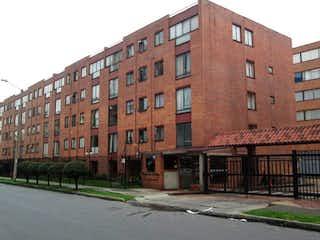 Un edificio de ladrillo rojo con un edificio de ladrillo rojo en Apartamento En Venta En Bogota Colina Norte