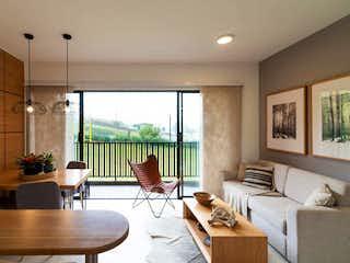 Una sala de estar llena de muebles y una gran ventana en Apartamento en venta unidad cerrada en Rionegro cerca al aeropuerto