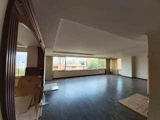 Una vista de una sala de estar con un gran ventanal en Apartamento en venta en Piedras Blancas 195m² con Zonas húmedas...