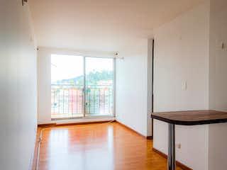 Una habitación que tiene una mesa y algunas sillas en Apartamento en Venta RINCON DE SUBA