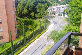 Apartamento en Poblado, Edificio Socaire cuenta con tres habitaciones