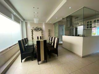 Una sala de estar llena de muebles y un ventilador de techo en VENTA DEPARTAMENTO REMODELADO JARDINES DEL SUR APA_1644 AG/AN