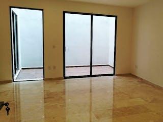 Una vista de una habitación con una puerta corredera de cristal en VENTA DEPARTAMENTOS EN LOMAS DEL CHAMIZAL APA_492 AM