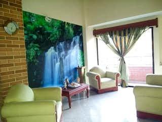 Una sala de estar llena de muebles y una ventana en Apartamento en venta en Universidad Medellín de 4 hab. con Zonas húmedas...