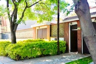 Casa en venta en Jardines del Ajusco 330m2 con jardín