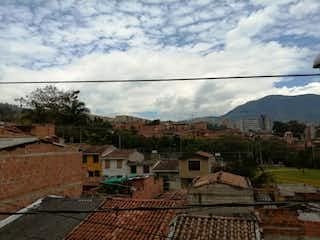 Una vista de una calle con un edificio en el fondo en Venta Casa San Antonio de Prado C.3622686