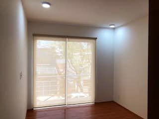 Una vista de una habitación con una puerta corredera de cristal en EXTERIOR CON BALCONES MUY ILUMINADO